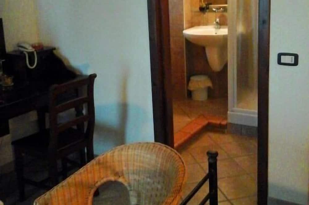 Двухместный номер «Комфорт» с 1 двуспальной кроватью, отдельная ванная комната (Camera Amalfi) - Ванная комната