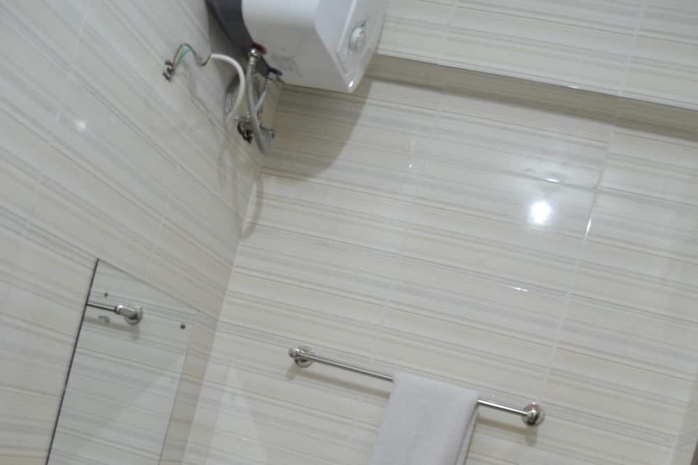 Rekreačná chata typu Deluxe, 1 veľké dvojlôžko - Kúpeľňa