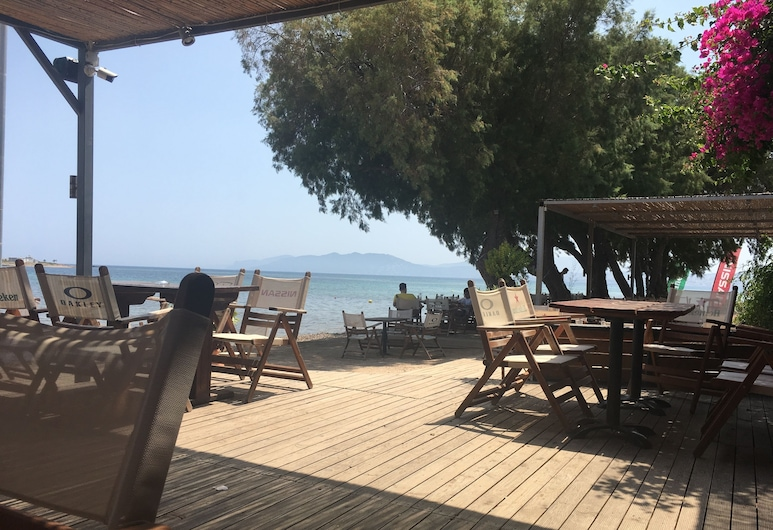 Savvas Surf House, Spata-Artemida, Beach