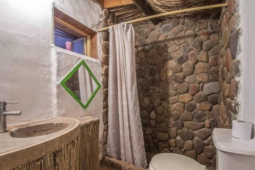Doppelzimmer, 1 Doppelbett, eigenes Bad - Badezimmer