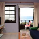 Basic Apartment, 1 Bedroom, Smoking, Ocean View - Living Room