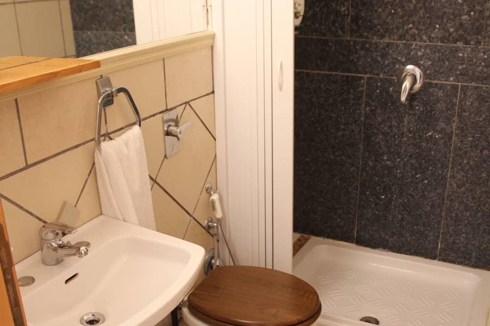 Kamar Double atau Twin Basic, 1 kamar tidur - Kamar mandi