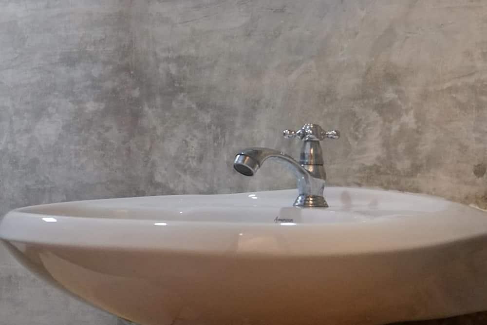 デラックス ダブルルーム - バスルームのシンク