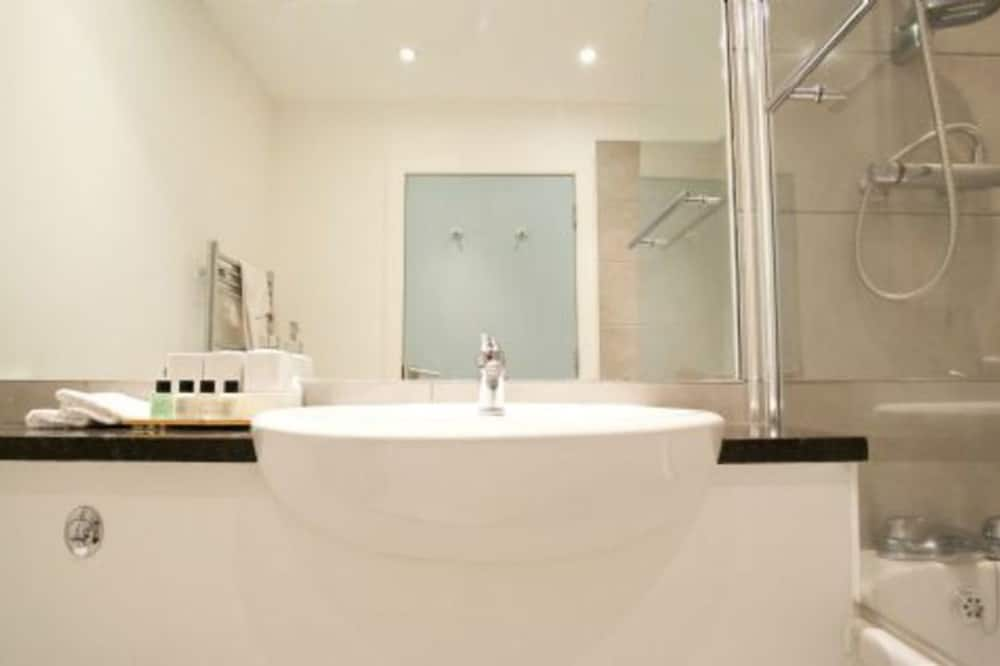 Apartamentai, 1 didelė dvigulė lova - Vonios kambarys