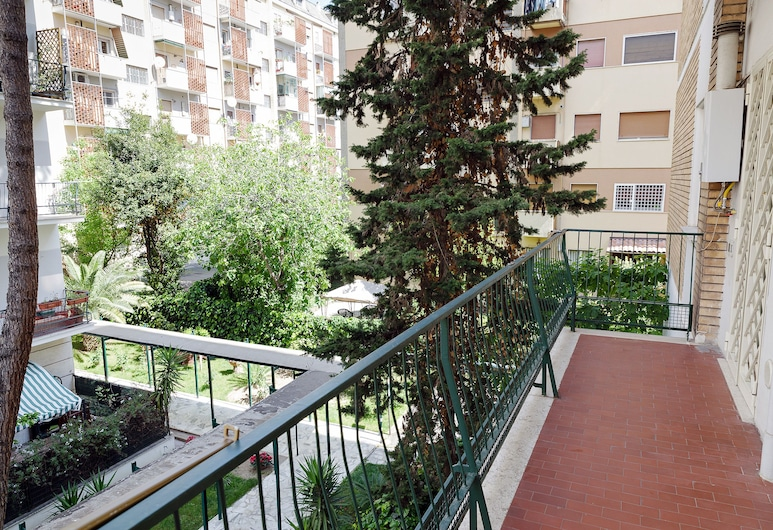 Casa Vacanza Da Andrea , Rome, Apartment, 2 Bedrooms, Balcony