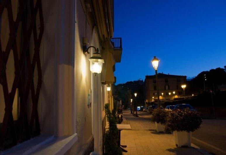 Hotel Centrale, Loreto, Hotel Entrance
