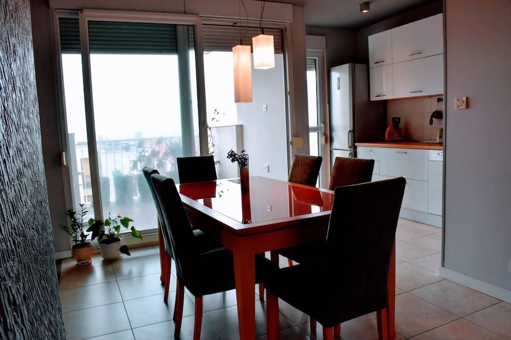 Dzīvokļnumurs, divas guļamistabas (Marina Drzica 4) - Numura ēdamzona