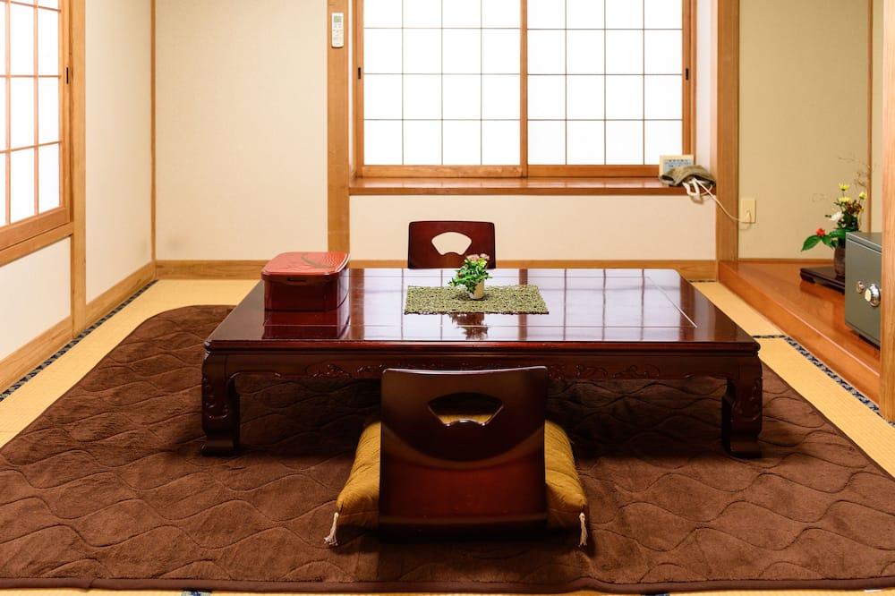 غرفة تقليدية - لغير المدخنين - بحمام خاص (Japanese Style for 2 People) - منطقة المعيشة