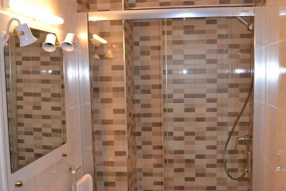 Dobbeltværelse - byudsigt (Double Room + Rollaway Bed) - Badeværelse