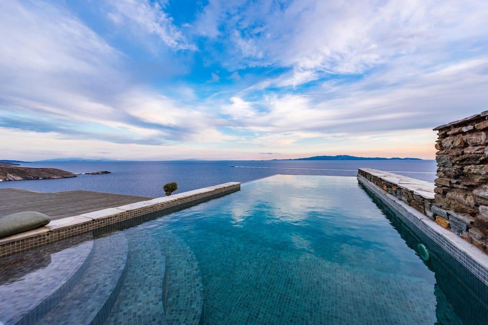 Villa - 2 sovrum - privat pool - Utsikt mot havet/stranden