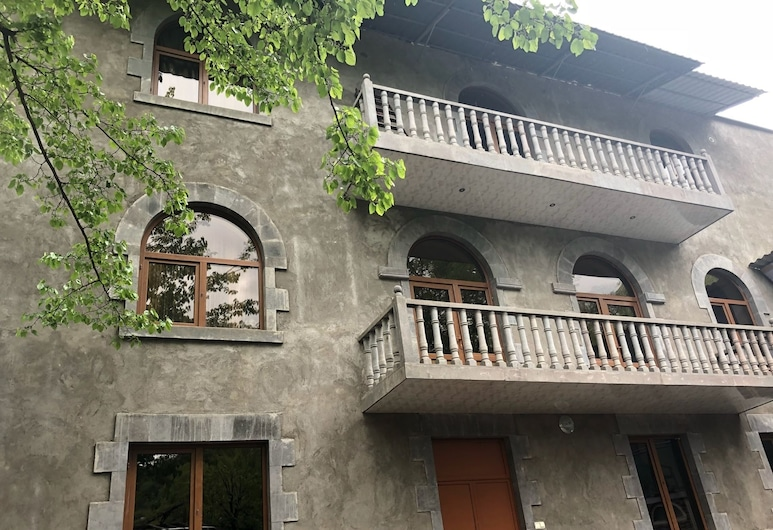 Sanasar Hotel, Goris