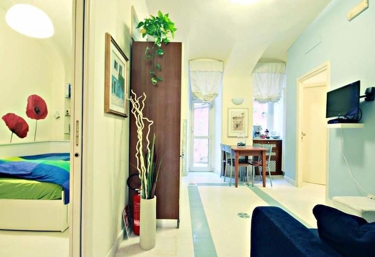 Bella Roma al Vaticano, Rome, Apartment, 2 Bedrooms, Living Area