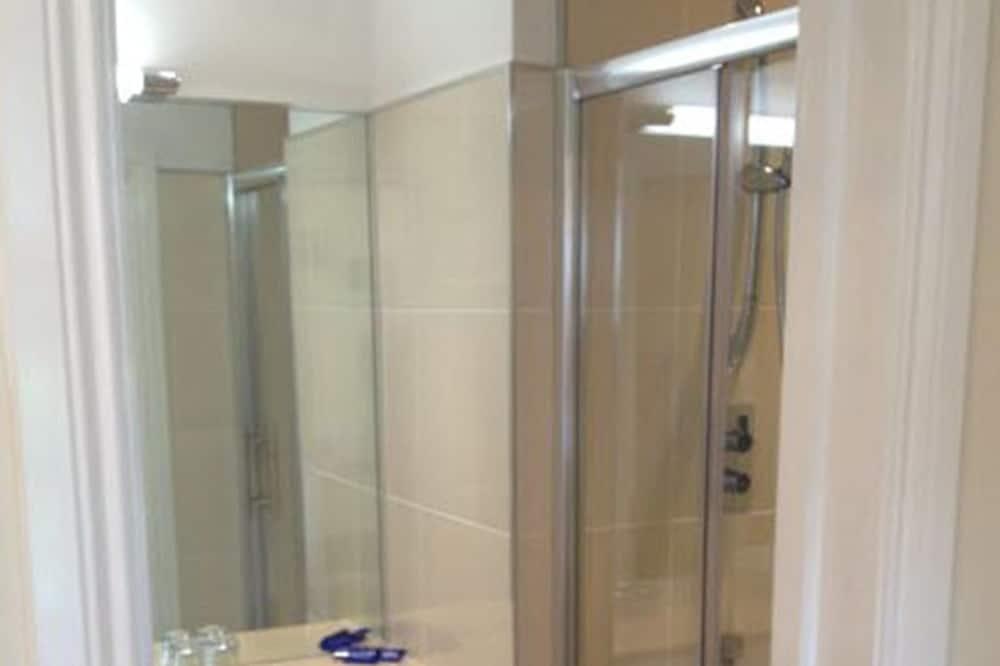 Double Room, Shared Bathroom (Hatton) - Bathroom