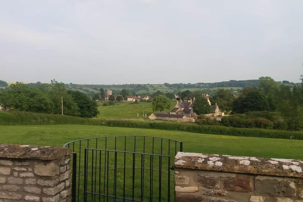 Green Room - Garden View
