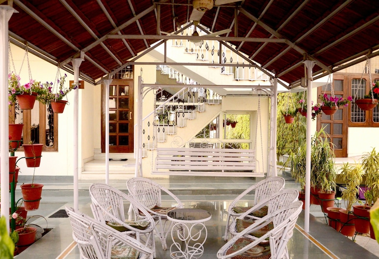 OYO 4492 Home Stay Sukh Vilas, Jaipur, Terraza o patio