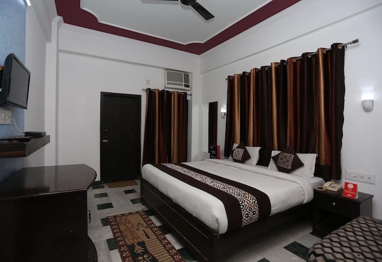 OYO 11539 Hotel Priya, Agra