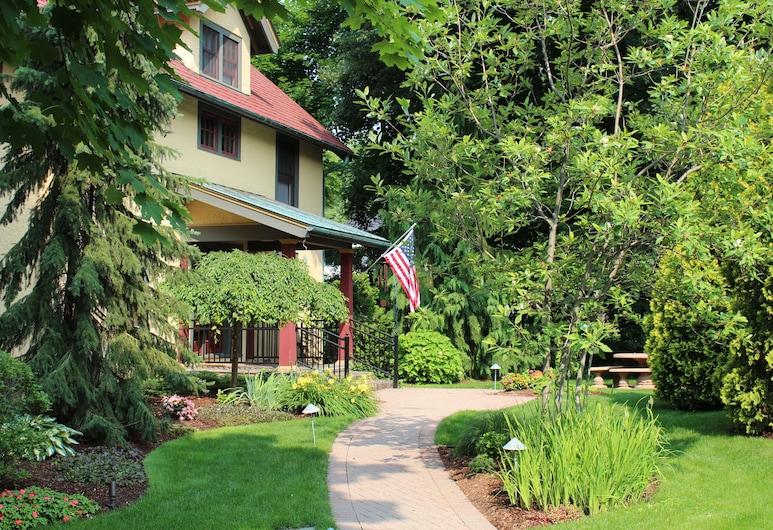 Avalyn Garden Bed and Breakfast, Ann Arbor