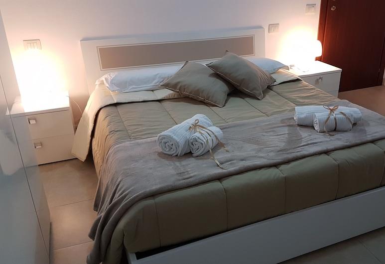 Il Sentiero di Iolanda, Cagliari, Deluxe Double Room, 1 Queen Bed, Guest Room