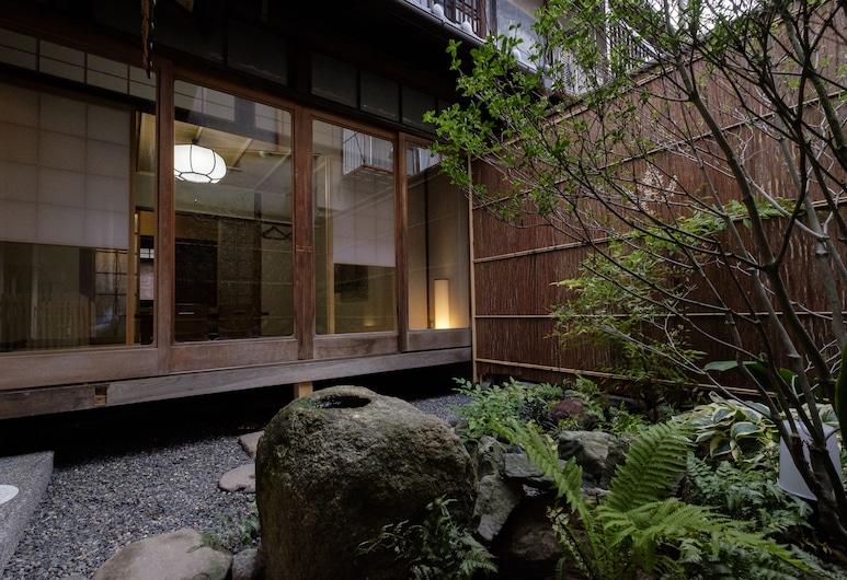 미부-도우단, Kyoto, 정원
