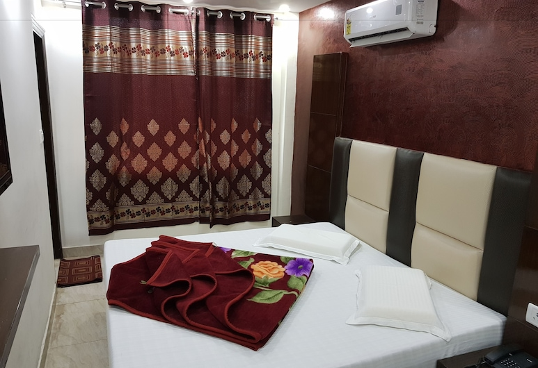 Hotel Amba Deluxe, New Delhi, Double Room, Non Smoking, Guest Room