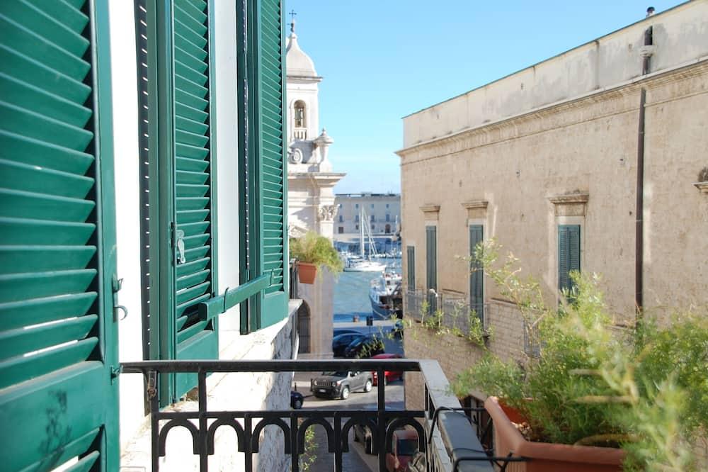 Mieszkanie Deluxe, 3 sypialnie, balkon, widok na port - Balkon