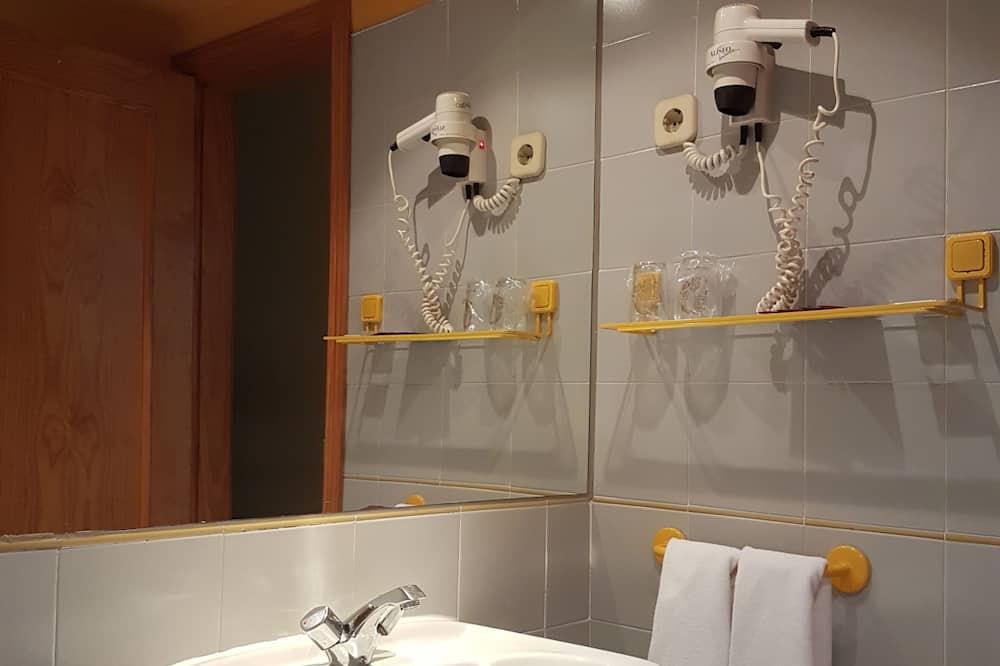 Double Room - Sink Bilik Mandi