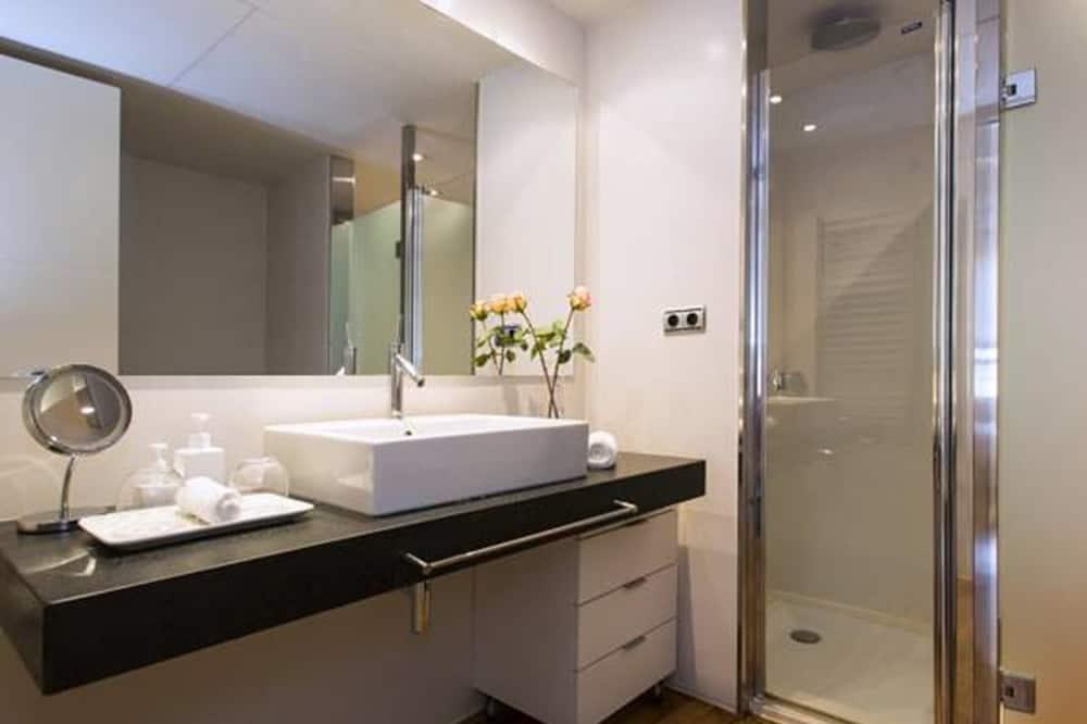 Deluxe-Apartment, 1 Schlafzimmer, Stadtblick - Badezimmer