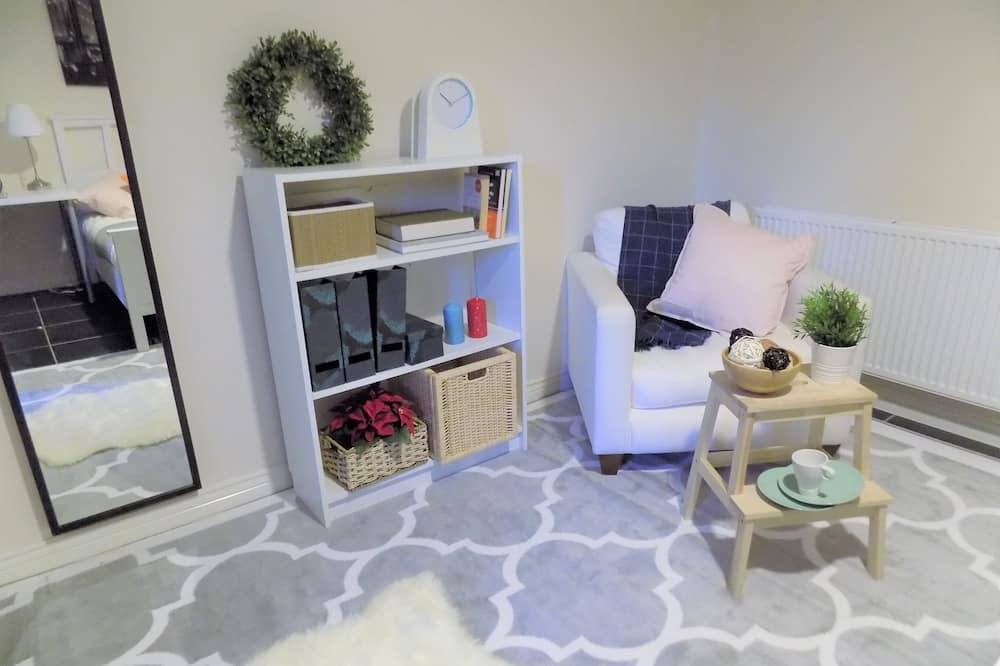 Standard Double Room, Shared Bathroom - Living Area