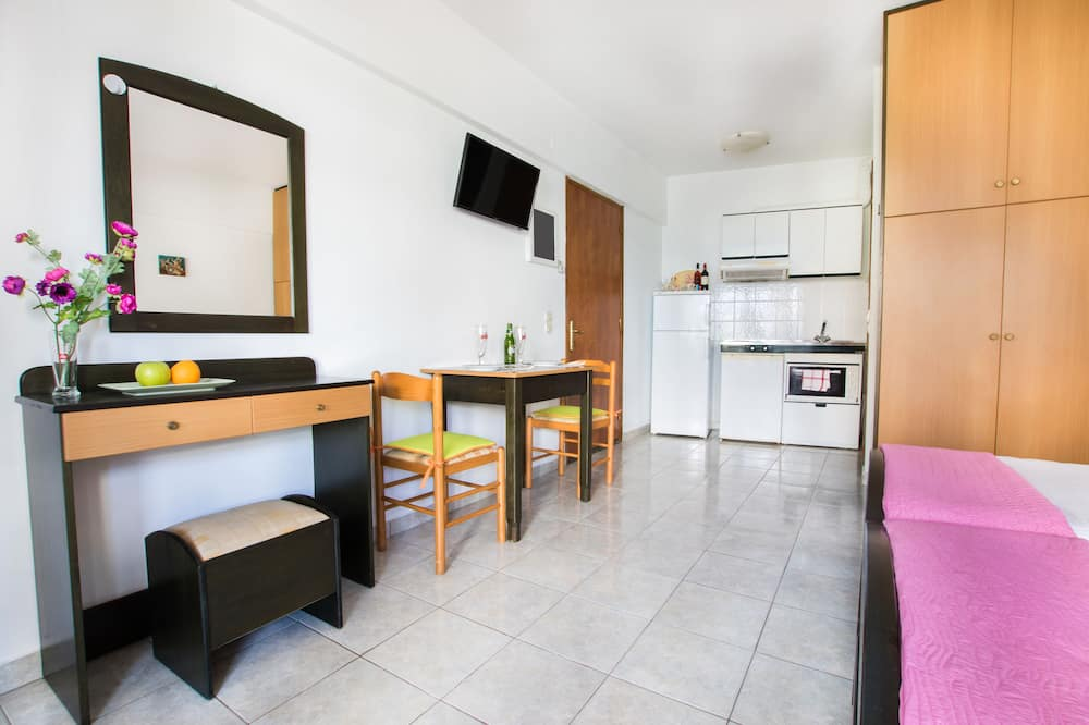 City Apartment, 2 Single Beds, Balcony, Sea View - In-Room Dining