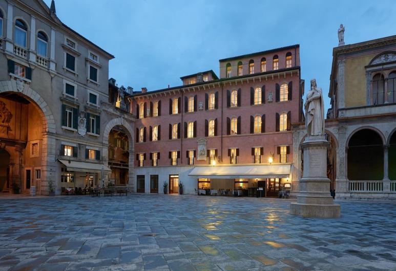 Lords of Verona Luxury apartments, Verona