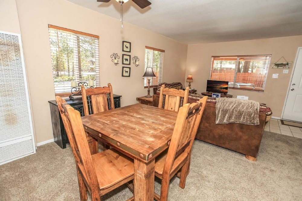 House, Multiple Beds, Non Smoking - In-Room Dining