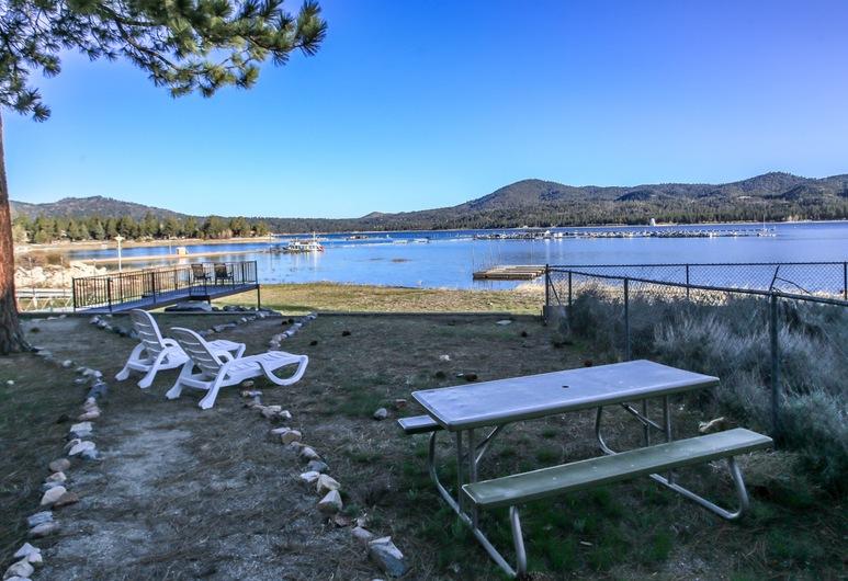 Lakefront Cottage, Danau Big Bear , Tempat Makan Luar Ruangan