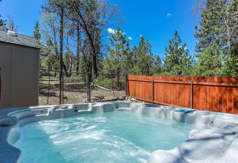 小棕熊酒店, 大熊湖, 室外 SPA 浴池
