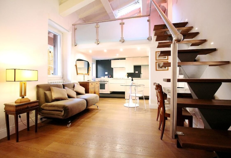 Wonder Gourmet District, Rome, Apartment, 2 Bedrooms, Living Room