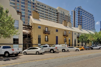 Picture of AustinStays 3 Bedroom Downtown Suite in Austin