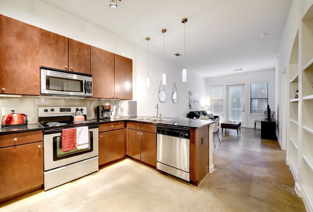 StayLo Luxury 1 Bedroom Apartment, Austin