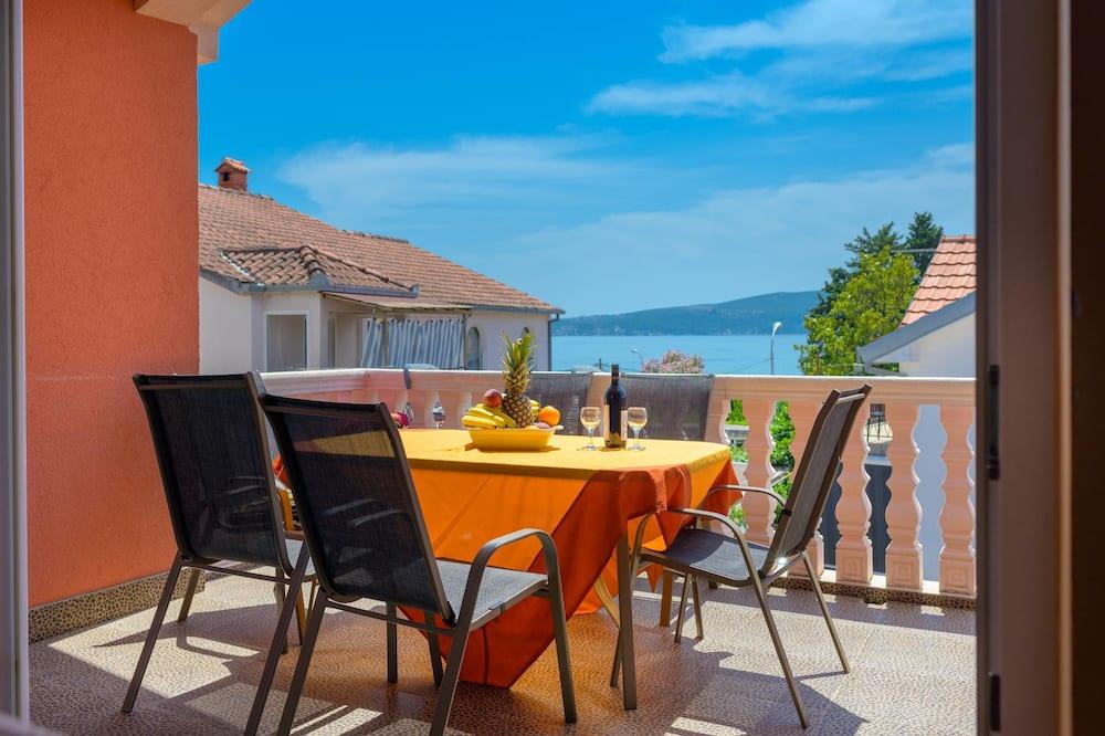 Apartmán typu Comfort, 2 spálne, výhľad na more (6) - Terasa