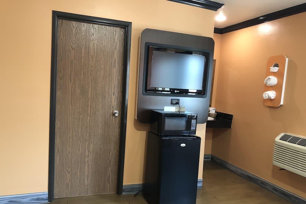 Standard Room, 1 King Bed, Refrigerator & Microwave - Mini Refrigerator