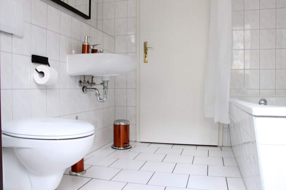 Comfort apartman, privát fürdőszoba (Kurt-Schumacher-Str. 21 ) - Fürdőszoba