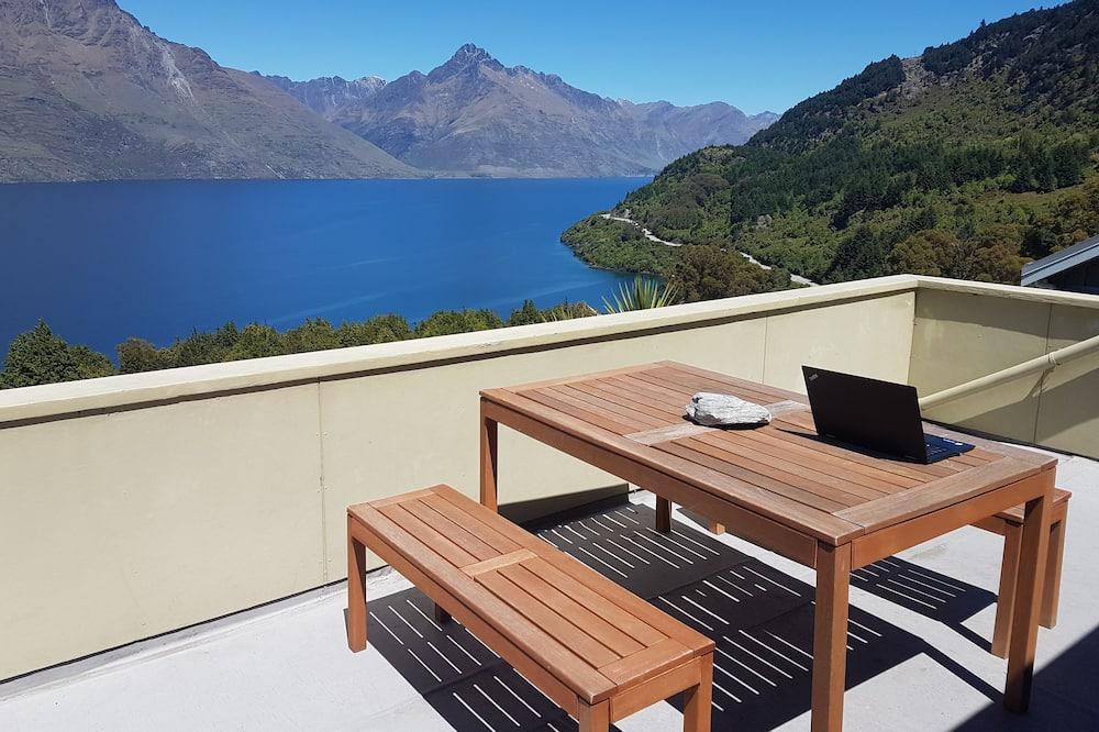 Executive Villa, 3 Bedrooms, Lake View - Balcony