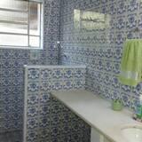 Deluxe Suite, Garden View - Bathroom