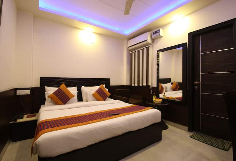 Hotel Hill Palace, New Delhi, Deluxe Double Room, Accessible, Smoking, Guest Room