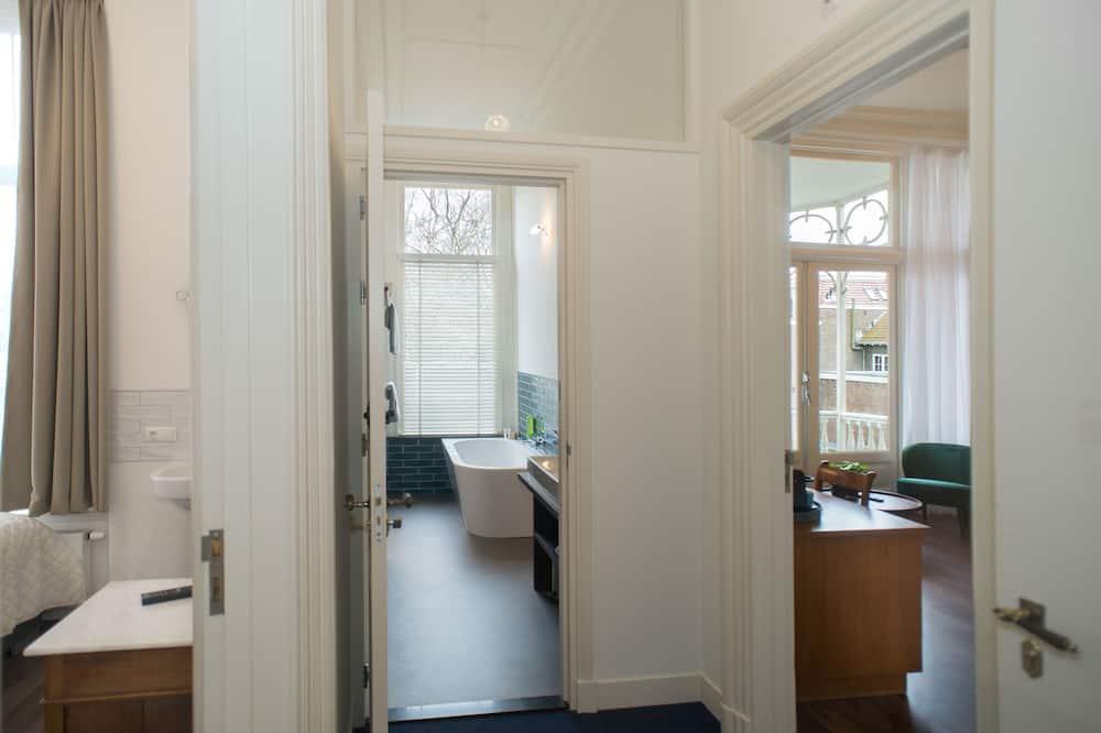 Kamar Double Deluks, 2 kamar tidur, balkon, pemandangan kebun - Kamar mandi