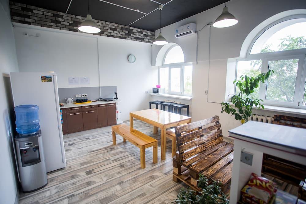 家庭四人房, 共用浴室 - 共用廚房