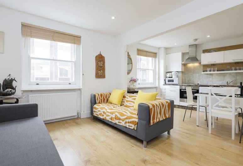 Snel Superior Apartments, London, Superior Apartment, 2 Bedrooms, Living Area