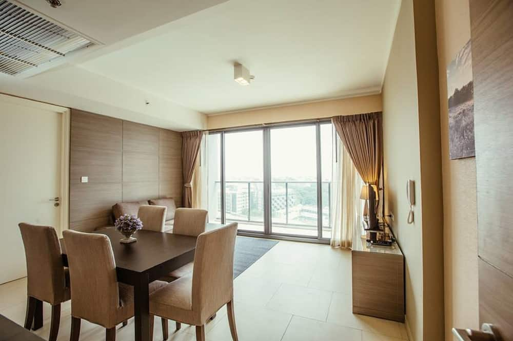 1-Bedroom Condo with City View  - In-Room Dining