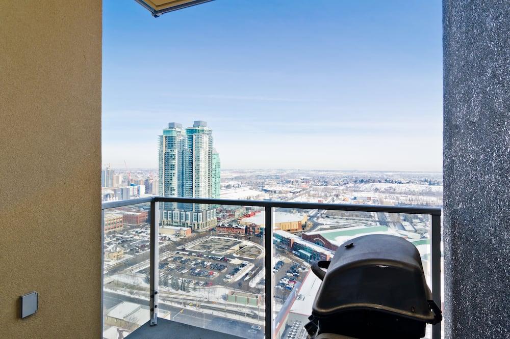 City Suite, 1 Queen Bed, City View - Balcony