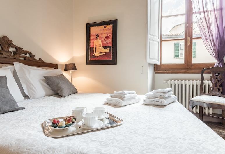 Luxury Petra San Frediano, Florence, Comfort Condo, 4 Bedrooms, Room