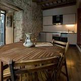 Studio - In-Room Dining