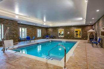 תמונה של Comfort Suites Fishkill near Interstate 84 בפישקיל